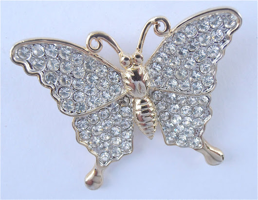 Vintage Butterfly Brooch Butterfly Rhinestone Brooch Butterfly Bling Brooch Rhinestone Studded Brooch Gold Butterfly Brooch Butterfly Pin