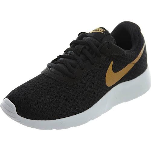 Nike Tanjun Women's Shoe, Size 7