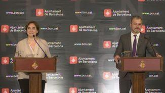 L'alcaldessa de Barcelona, Ada Colau, i el líder municipal socialista, Jaume Collboni