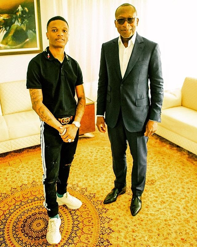 STAR BOY!! Wizkid Pictured With President Of Benin Republic (Photo)
