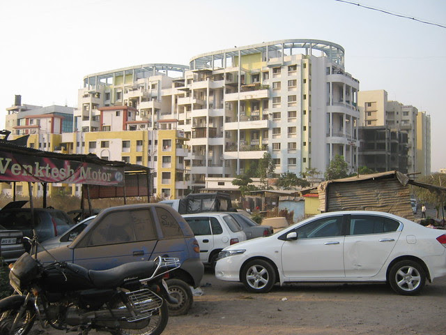 Venkatesh Motors & Bhagwati Maestros - Visit Lohia Jain Group's Riddhi Siddhi, 2 BHK & 3 BHK Flats at Bavdhan Khurd, Pune 411 021