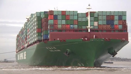 BBC News - CSCL Globe: Felixstowe arrival for world's largest container ship