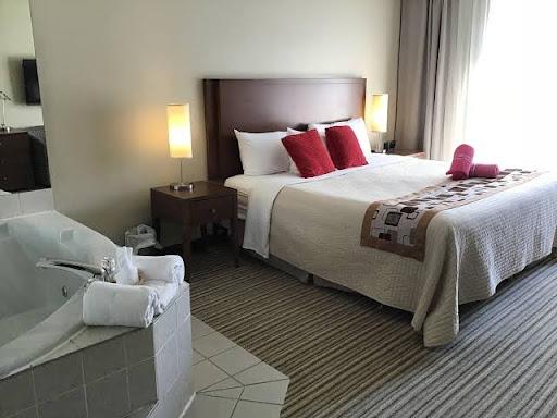 Hotel Excelsior Hôtel Spa Sainte-Adèle in Sainte-Adèle (QC) | CanaGuide