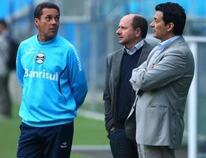 Marcos Chitolina, Vanderlei Luxemburgo e Rui Costa (Foto: Lucas Uebbel/Grêmio, DVG)