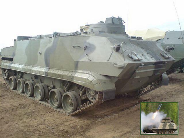 """El Ministerio de Defensa de Rusia debería recibir un nuevo sistema de limpieza de minas por control remoto montado en el vehículo seguido, acorazado llamado UR-07M para suceder al legendario UR-77, nombrado por los militares """"Zmei Gorynytch"""" (mítico dragón de tres cabezas) para su principio de funcionamiento, según el diario Izvestia del 17 de mayo de 2013."""