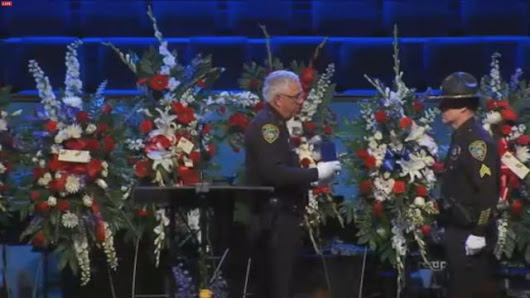 Officer Kenny Moats awarded Medal of Valor during funeral