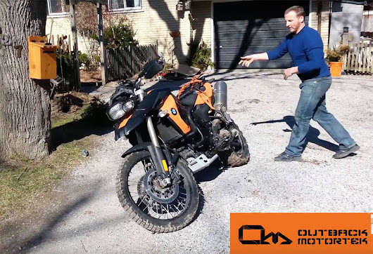 Wrecking of a BMW F800GS – Outback style crash bars torture