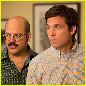 Jason Bateman Shares First Set Photo From 'Arrested Development' Season 5!