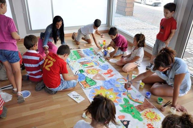 El Puerta Del Atlantico Convertido En Un Aula De Pintura Para Los