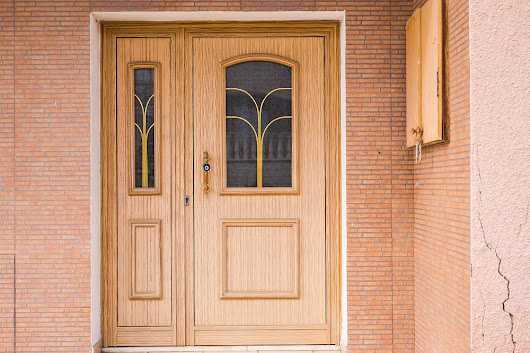 When is it Time to Get a New Door? | Platinum Exterior