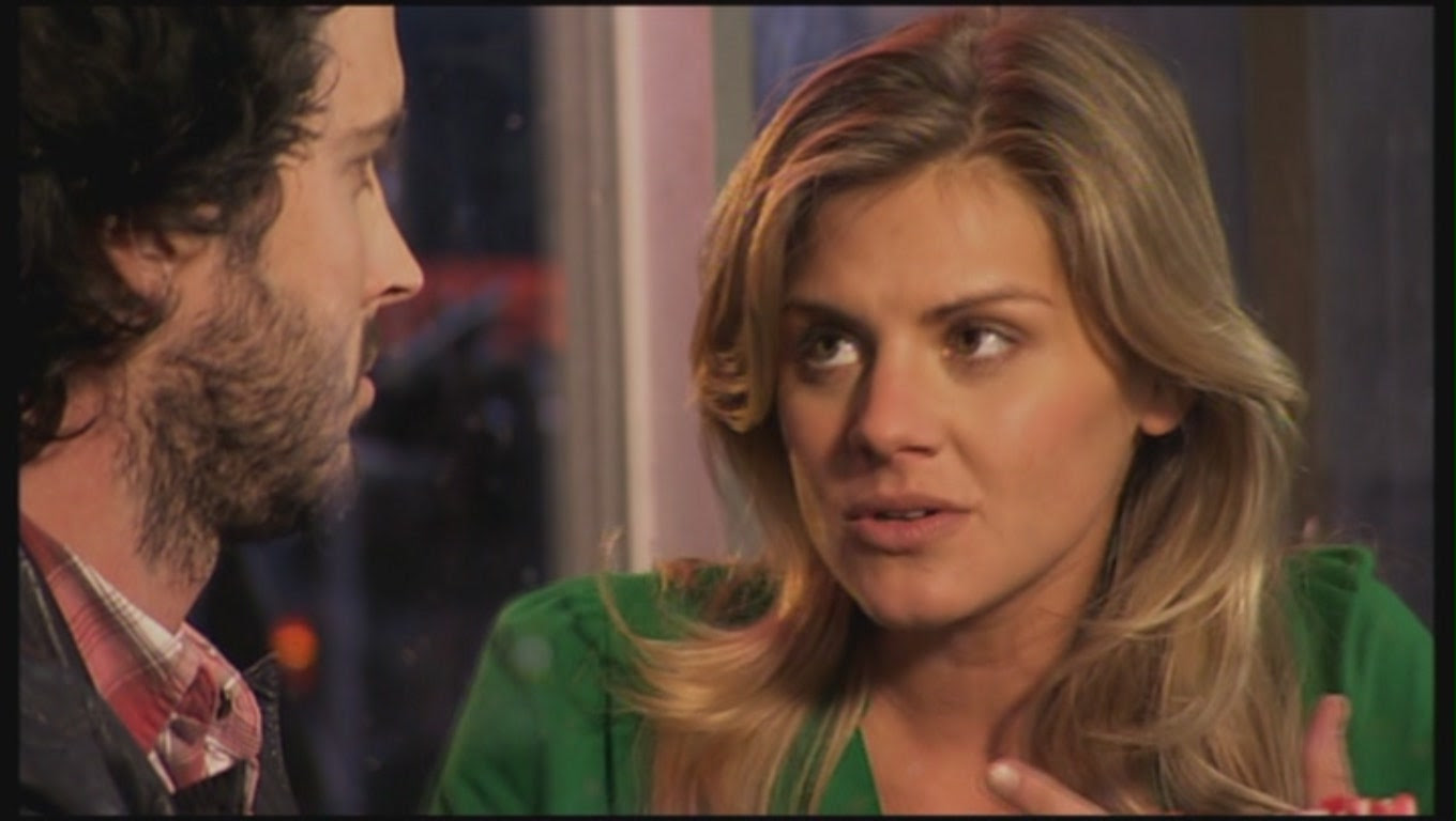 Eliza Coupe As Lisa In 1x08 Girlfriends The Flight Of The