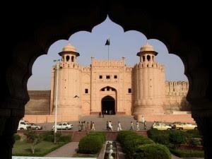 Benteng dan Shalamar Gardens di Lahore