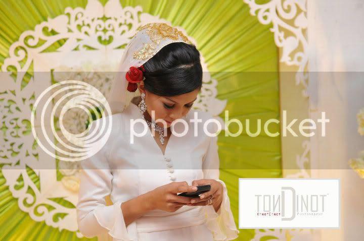 61927 154419037921171 100000592287275 395672 5800766 n (Gambar) Majlis Pertunangan Memey Suhaiza & Norman Hakim