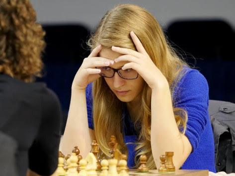 Η παγκόσμια πρωταθλήτρια στο σκάκι Τσολακίδου εξηγεί: `Δεν μπλοφάρω`