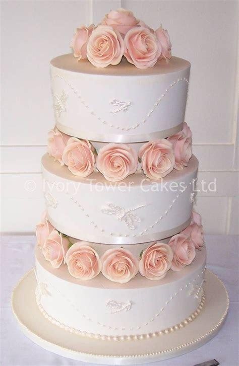 small 3 tier wedding cakes   to three tier wedding cakes
