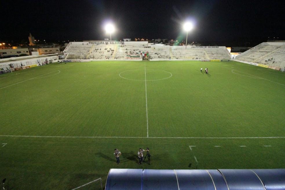 Estádio Cornélio de Barros será o palco do jogo entre Salgueiro e Fortaleza (Foto: Marlon Costa/Pernambuco Press)