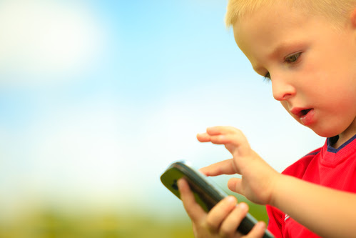 When Should Your Child Get Their First Cell Phone? – Kids Email Blog