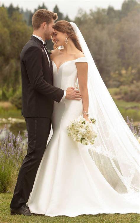Best 25  Sleek wedding dress ideas on Pinterest   Rosa