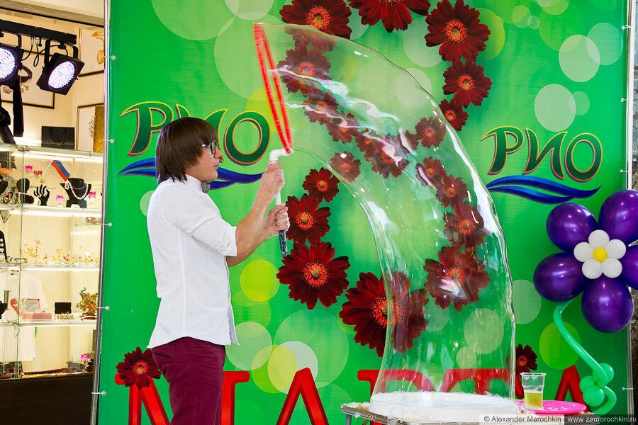 Мыльные пузыри в РИО. Саранск, 8.03.2013