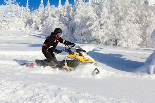 7 Snowmobile Safety Tips