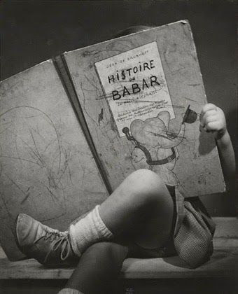 Estupenda foto babariana, obra de Rose Nadau (1947), que hemos descubierto en el blog Donde Viven los Monstruos. Deberíamos convertirla en nuestro avatar...