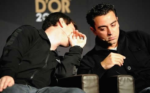 Lionel Messi and Xavi friendship, as they whisper at each other in FIFA's Balon d'Or 2011 interview
