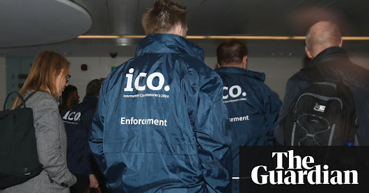 UK regulator orders Cambridge Analytica to release data on US voter | UK news | The Guardian