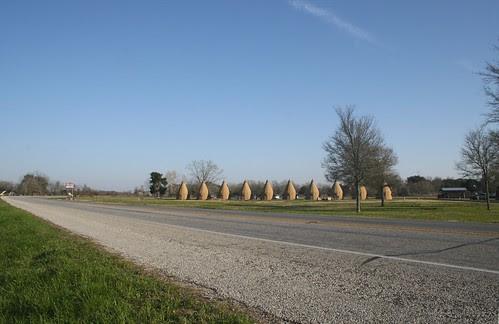 tee pee motel on the horizon