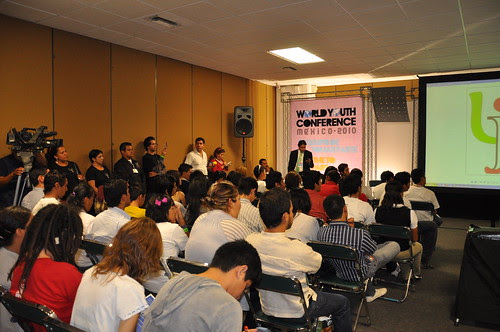 World Youth Conference 2010, foro sobre NiNi's