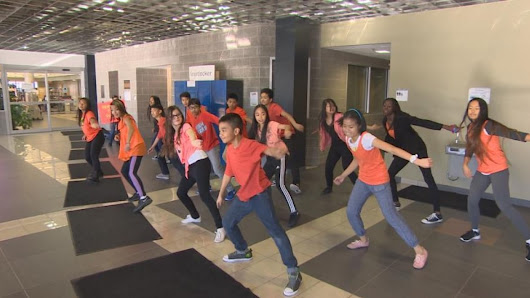 Winnipeg students flash mob rec complex to mark World Kindness Day