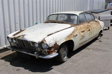 Look Closer: 1960 Jaguar MK 10