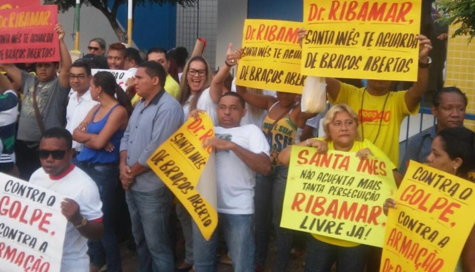 Câmara aprova pedido e Ribamar Alves segue como prefeito de Santa Inês