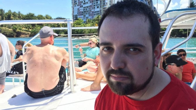 Best Husband Ever Documents Miserable Vacation without His ...