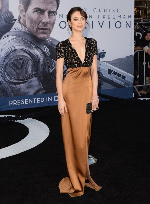 7 Olga Kurylenko wearing Burberry to the premiere of 'Oblivion', in Los Angeles, 10th April 2013