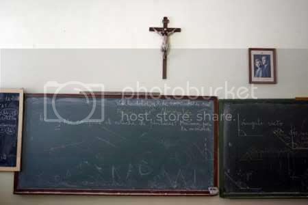 crucifijo aula Pictures, Images and Photos