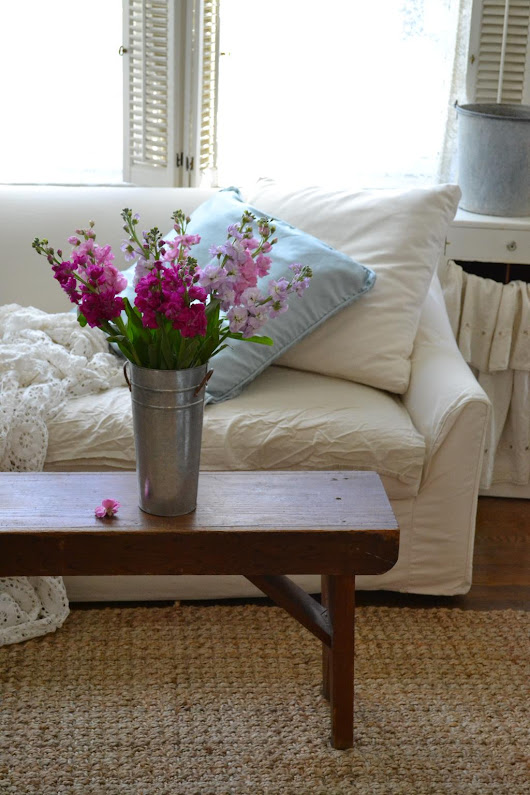 a farmhouse bench and market blooms | cottage fix