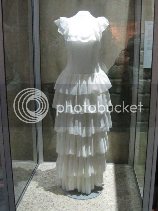 parachute dress airborne museum