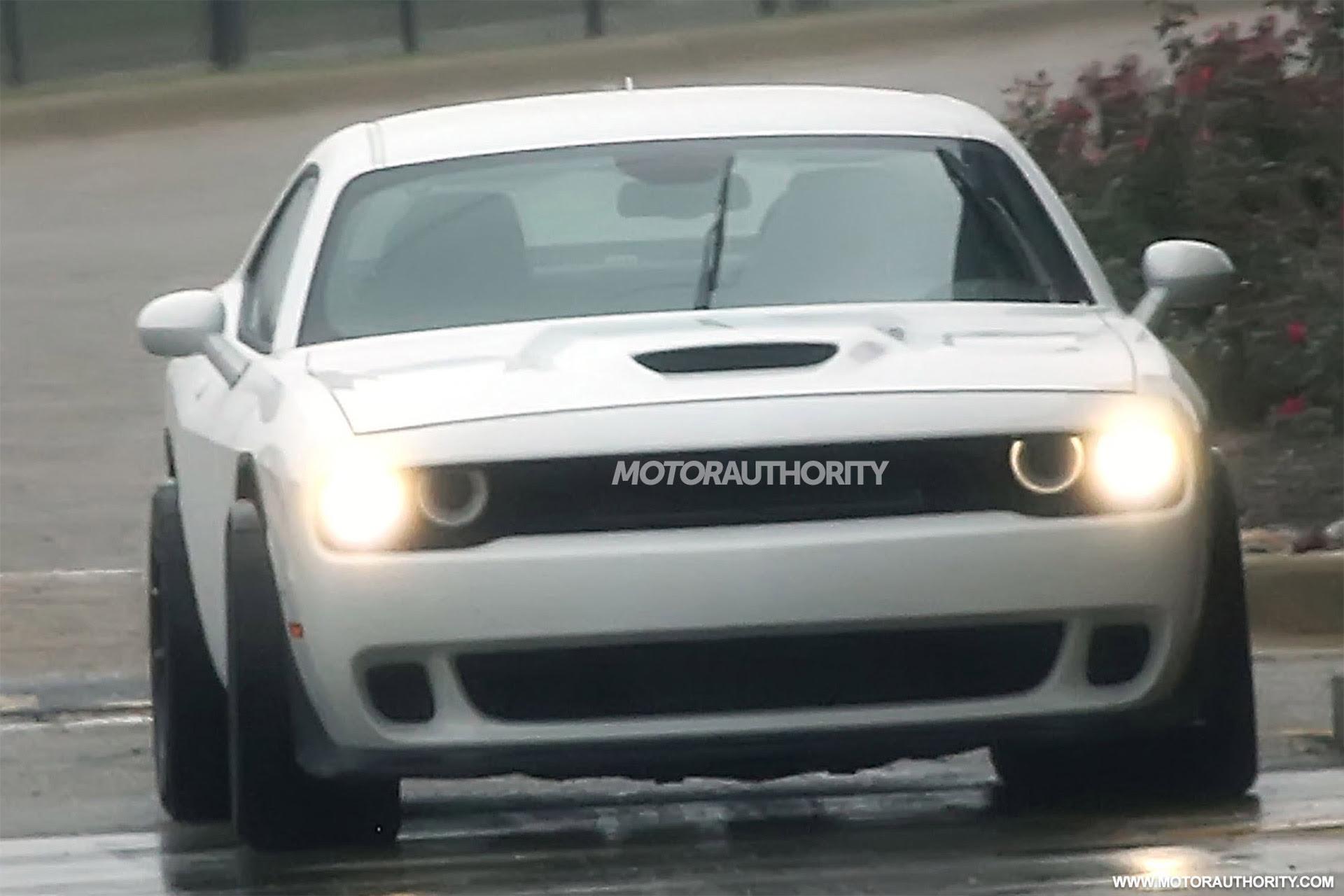 2018 Dodge Challenger ADR (wide-body SRT Hellcat) spy shots