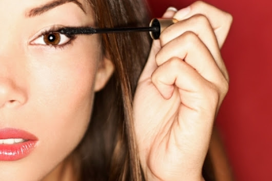 Makeup for Contact Lens Wearers | CooperVision