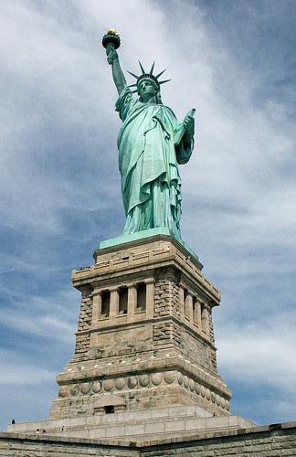 Statue of Liberty, Manhattan, New York, USA, by jmhdezhdez