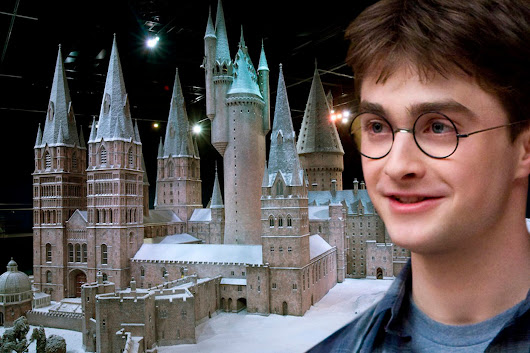 Harry Potter: Bosses allow sneak peek behind the scenes at a Hogwarts Christmas