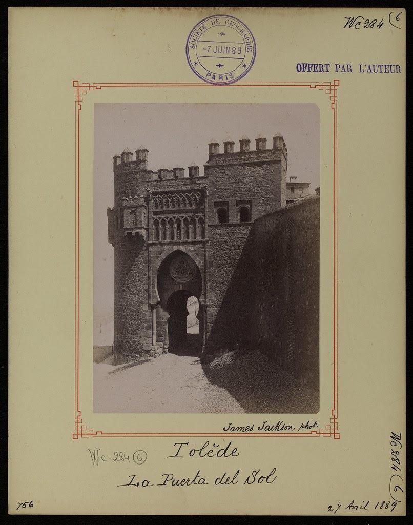 Puerta del Sol el 27 de abril de 1889. Fotografía de James Jackson. © Société de Géographie / Bibliothèque Nationale de France