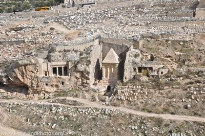 Τάφοι στην κοιλάδα Κιδρών