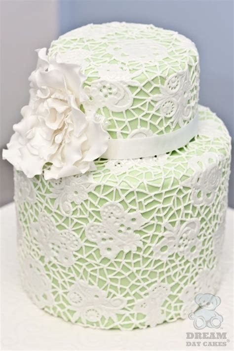 Pretty Hand Piped #Lace #Wedding #Cake Gainesville Modern