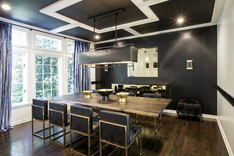 Mẫu trần nhà có tông màu đồng điệu với nội thất
