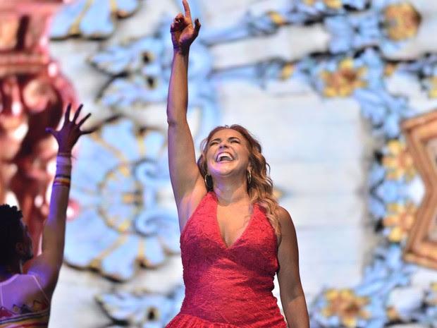 Daniela Mercury inicou a apresentação com o hit 'O Canto da Cidade'. (Foto: Max Haack/Agência Haack)