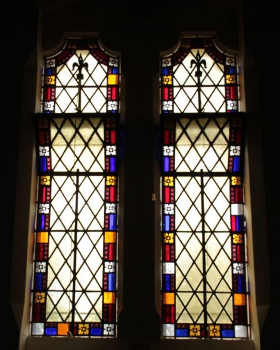 All the windows in the church were subsequently erected with Ferguson & Urie's simple stained glass margins of the alternating primary colours of red, blue and yellow.