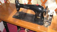 sewing machine 001