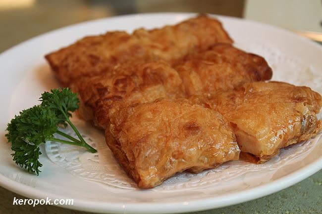 Fried Fu Pi Prawn Roll
