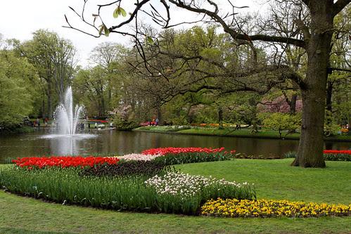 Keukenhof Lake and Water Fountain